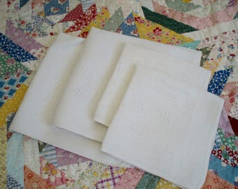Vintage Linen Dinner and Luncheon Napkins Needle Drawn and Loomed Design