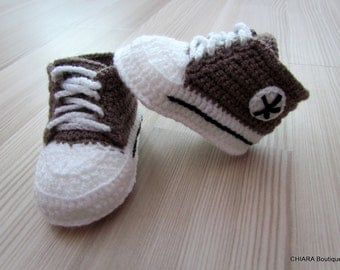 Crochet baby booties,baby sneakers,Baby sneakers,baby booties,baby shoes,knit booties,baby shoes,knitted baby booties,light brown