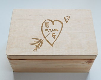 Personalised Wooden Wedding box, Mr&Mrs box, Heart Arrow Personalised box, Keepsake box, Memory Box, Made to Order