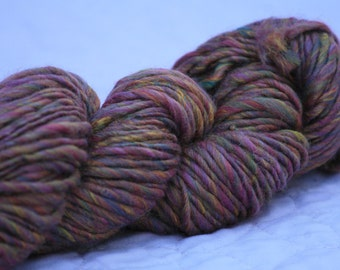 Cranberry multi worsted, Handspun worsted weight, Multi color Merino Bamboo wool, Worsted wool, Muted pink yarn, Heathered handspun yarn