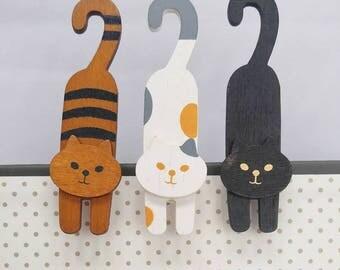 Wooden Cat Clip