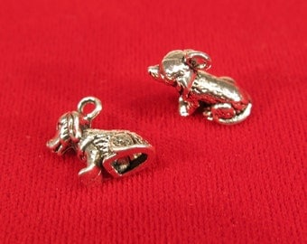 """BULK! 30pc """"dog"""" charms in antique silver style (BC313B)"""