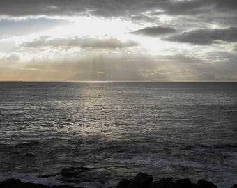 Instant download - Sunrays sunset in Paradise Cove, Hawaii, High resolution digital download