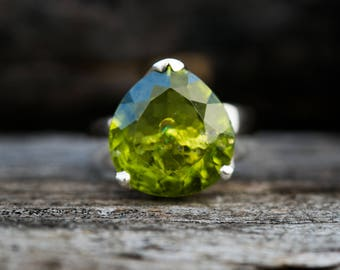 Peridot Ring Size 8 Peridot ring - Large Peridot Ring - August Birthstone - August Birthstone - Peridot jewelry- Size 8 Ring