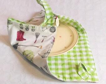 Cake carrier, dessert carrier, casserole carrier, cake, cake holder, food carrier, sac a tarte, gardener gift, grandmother gift, mimi gift,