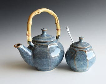 Teaset with handthrown teapot and sugarbowl