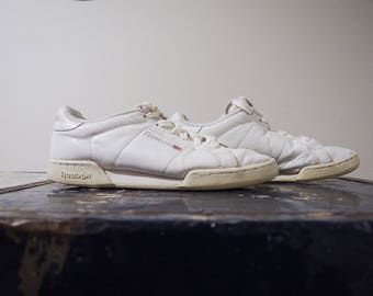 20% off * Vintage classic Reebok sneakers-90's white