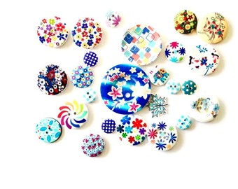 FREE SHIPPING 25 Assorted Mixed Buttons featuring the colour Blue