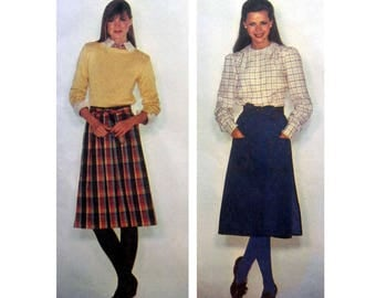 """Women's Wrap Skirt Sewing Pattern, Front Pleats, Ties in Front Misses Size Small 10-12 Waist 25 - 26 1/2"""" Uncut McCall's 7237"""