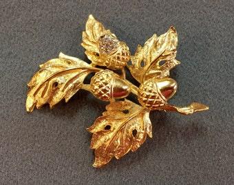Large Goldtone Leaf Brooch with Trembler Acorns.  Free shipping
