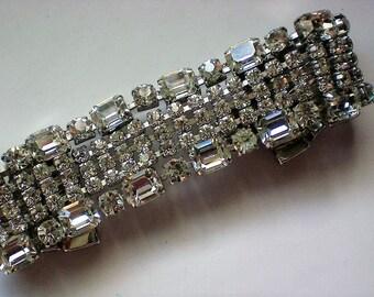 Exquisite Dazzling HUGE Rhinestone Bracelet - 5254