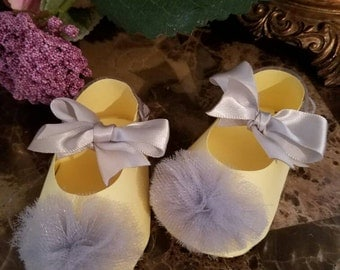 Girl Shoe Favors / Birthday Party Favors / Yellow And Gray Baby Shower Favors / Set Of Ten Yellow And Gray Pom Pom Shoe Favors