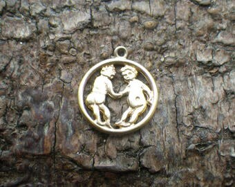 Rare Vintage 9ct Yellow Gold Adam and Eve Charm Pendant