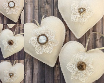Christmas Ornaments / Christmas Hanging Hearts / Felt Vintage Ornaments / Hearts Ornaments / Set of 3 / Handmade and Design in Felt - Lace