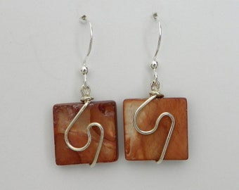 AMBER Mother of Pearl square with handcrafted silver plated wire design. Unique and lightweight!