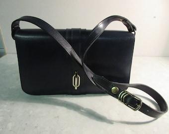 Vintage 1970's Navy PVC Handbag - Nice Long Shoulder Strap - Lovely!!