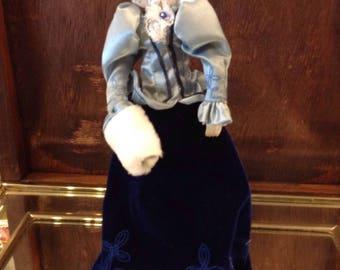 "Avon Collectible Porcelain Doll ""Victorian"""