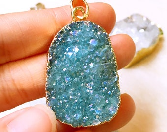 Druzy, Druzzy Drusy Pendant electroplated in Gold // White AB, Tea AB, Champagne, Green, Blue, Purple for choose