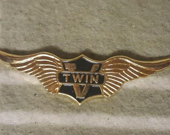 Vintage Harley Davidson TWIN V Wings Metal Badge/Emblem