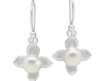 Flower Fortune Pearl Earrings 925 sterling silver pearl earrings (No. OPR-65)