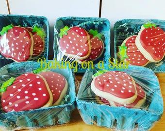 12 gourmet sugar cookies: strawberries