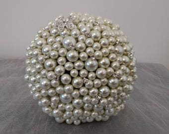Flower girl/Junior Bridesmaid Pearl Bouquet. Small Pearl Bouquet.