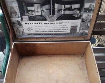 Vintage 1920's - 30's Wear- Ever Aluminum Kitchenware Salesman Suitcase / Advertising