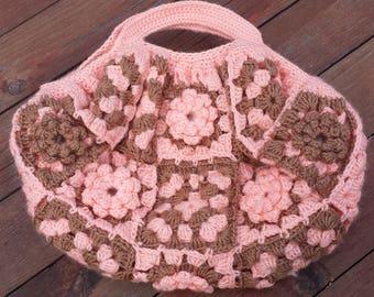 Medium crochet hand bag in cream and brown with flowers, crochet hand bag,Granny crochet,flowers bag,floral bag,fancy bag ,trendy bag