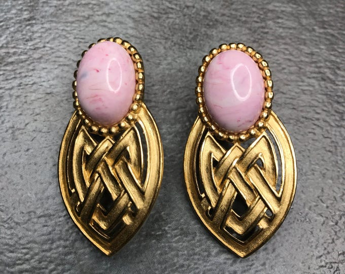 Vintage Estate Gold Tone White Pink Grey Marbled Stone Earring