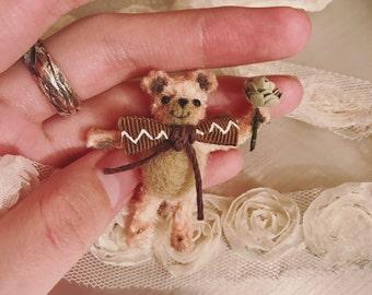 Mini bear pipe cleaner craft/ wool felt/ needle felt craft