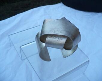 VAN DER STRAETEN Modernist Sculpture Cuff Bracelet