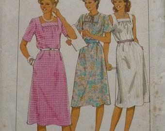 Vintage Sewing Pattern. Style 3913,dress pattern