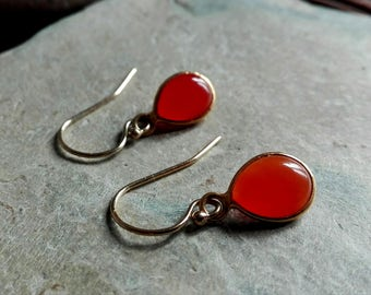 Lovely carnelian stone earrings, vermeil golden earrings, briolette , healing crystals, chakra stones