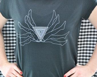 Woman  Black Tshirt // Vagina Illuminati // Size L