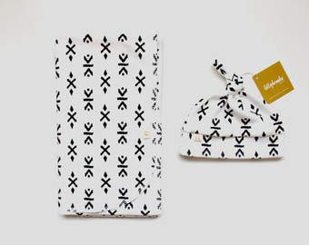 Modern Swaddle Blanket / Swaddle Blanket / Receiving Blanket / Gender Neutral Baby Gift / Black and White Swaddle / Swaddle Set