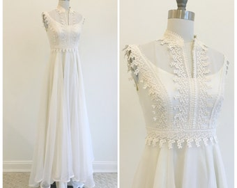 Vintage 1970s Organza and Venice Lace Boho Wedding Dress