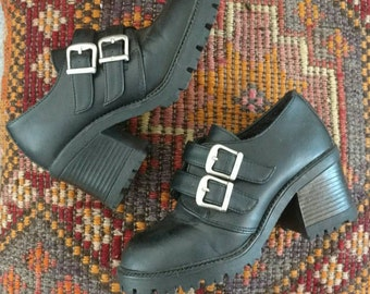 Vintage 90's/ Black Leather Chunky Heels With Straps And Silver Hardware Size 5