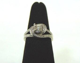 Womens Vintage Estate 10K White Gold Ring w/ Diamonds, 5.0g, E1075