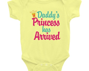 Daddy's princess has arrived - Baby Onesie Bodysuit, American Apparel Infant Baby Rib Short Sleeve One-Piece