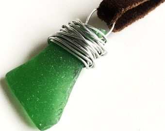 Seaglass necklace | suede lace - green dark brown