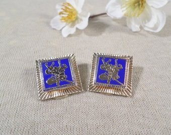 Beautiful Vintage Gold Tone And Blue Enamel Clip On Earrings  DL# 4532