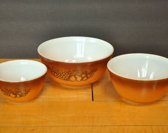 Pyrex Old Orchard Mixing Bowl set