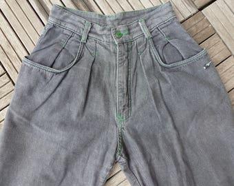 vintage pleated jeans