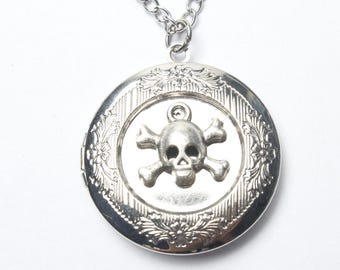 Skull Locket,Ancient Silver Locket,Locket Necklace,Antique Locket,Skull Necklace