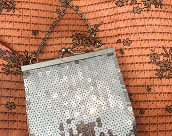 Cutest 90s Silver Sequined Purse