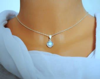 Choker silver dainty. Rainbow Moonstone. June birthstone. Moonstone necklace. Silver choker gift for women. Dainty choker chain womens gift