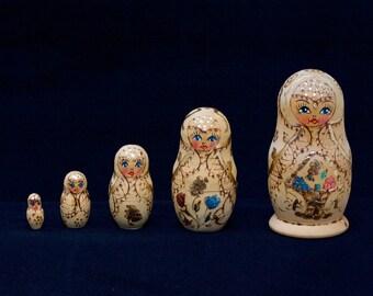 Vintage Matryoshka Russian Nesting Dolls