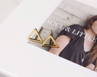 Dainty Triangle Earrings, Vermeil Gold Geometric Earrings, Tiny triangle earrings. Gold earrings, minimalist earrings, modern earrings.