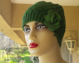 Women's Beret, Green Beret Hat, Green Knit Hat, Hand Knitted  beret  , green Hat, hand made Hat,  Gifts for Women,birtday gift for women