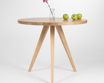 Round table, round dining table, kitchen table, round kitchen table, oak table, scandinavian design, solid wood